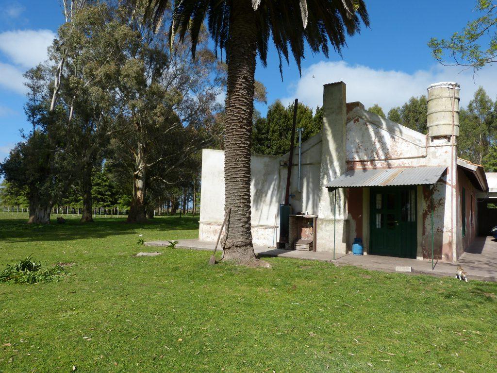La vivienda de Izaguirre hoy es ocupada por el casero de la estancia La Caldera. Permanece casi sin modificaciones el lugar donde se produjo la muerte del millonario.