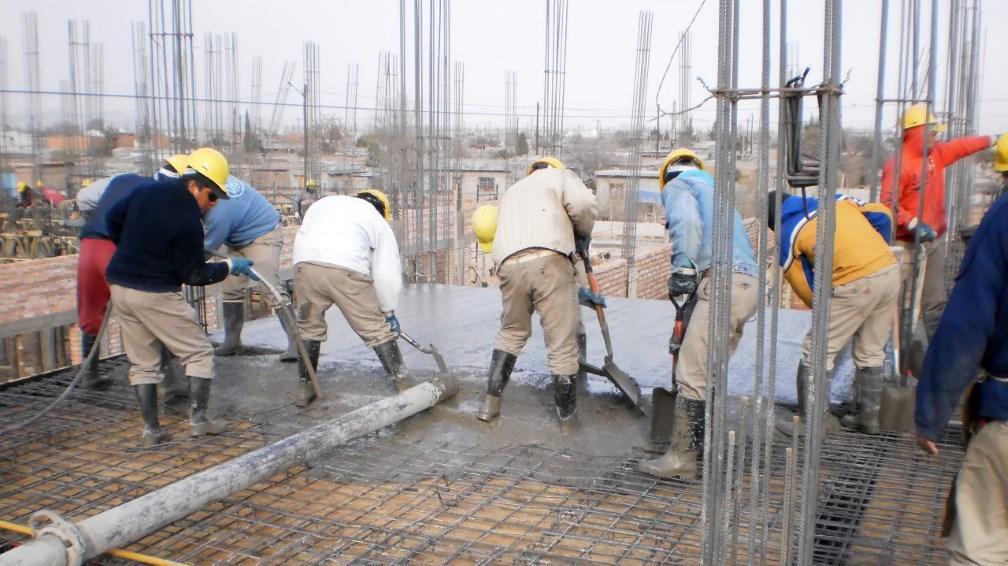 La UOCRA negocia un 17% de aumento salarial para el segundo semestre