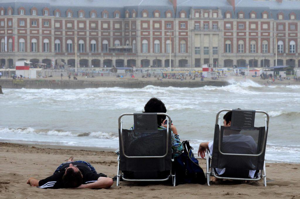 Fin de semana largo: más turistas pero menos gastos