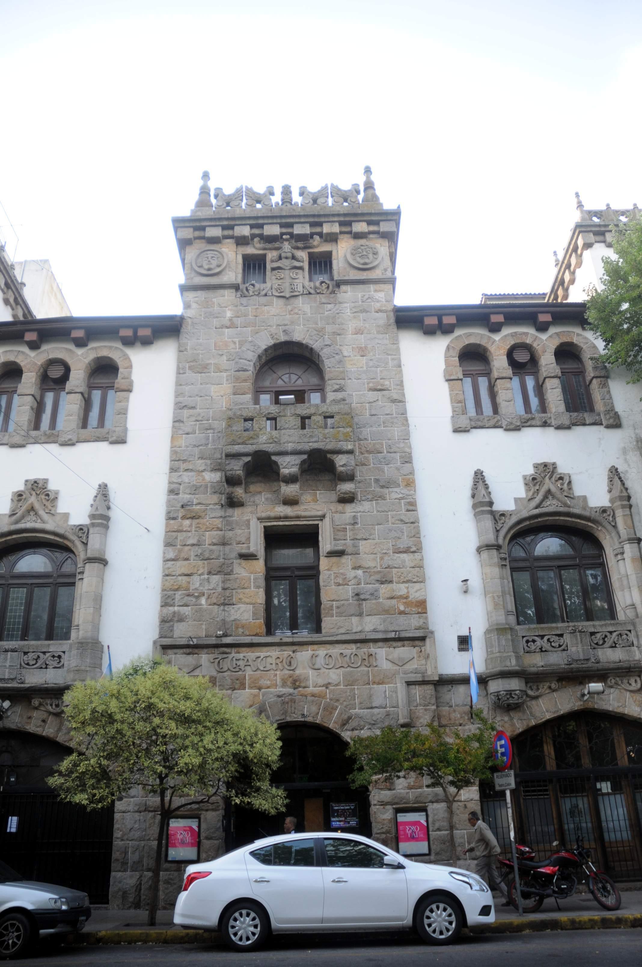 Otro problema relacionado con Cultura y van... ¿El teatro Colón deja de ser municipal? El Club Español, propietario del inmueble, advirtió a través de sus autoridades que el tiempo y la paciencia se agotan.