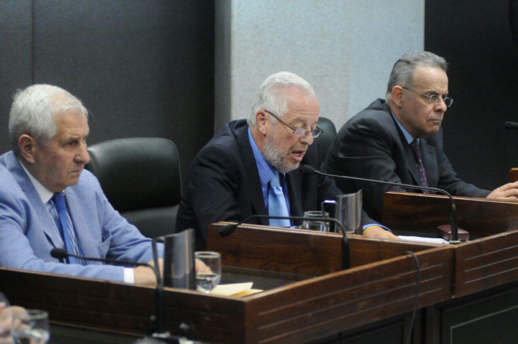 Alfredo Ruiz Paz, Víctor Bianco y Luis Imas, los jueces.