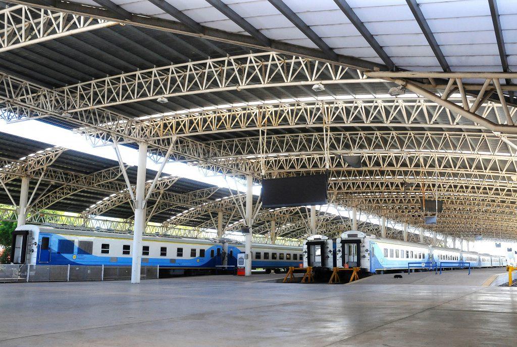 Sigue sin llegar el tren a Mar del Plata. Contra reloj siguen realizando distintas pruebas para lograr la anunciada reanudación del servicio.