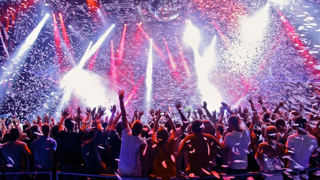 Más de 20 mil personas concurrieron a la última fiesta de Mute con el DJ Solomun. Se realizaron intensos controles en los accesos. Ahora se estableció que dos empleados vendían estupefacientes en el interior.