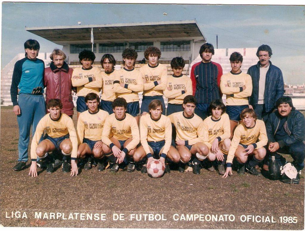 """""""El arquero es Burgos ,el de celeste. Ese año salimos campeones de punta a punta con la cuarte especial"""", reseña Omar Suárez."""
