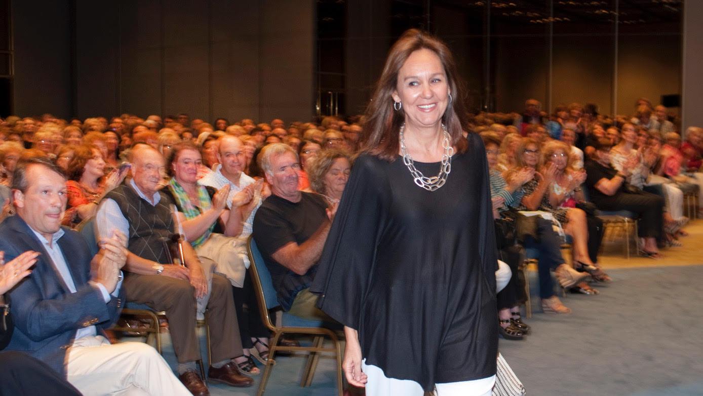 La escritora española María Dueñas también pasó por el ciclo de escritores de Planeta, un clásico ya de los veranos marplatenses.