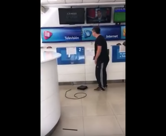 Un usuario enfureció al querer dar de baja el servicio de cable