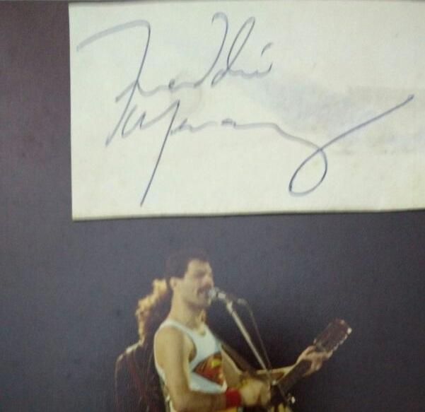 El autógrafo que consiguió la fan y que atesora 36 años después.