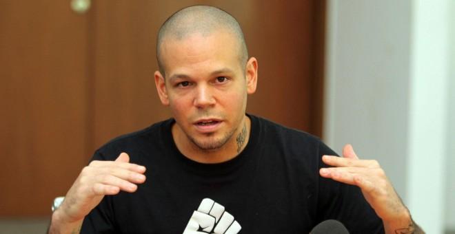 Denuncian a René de Calle 13 por