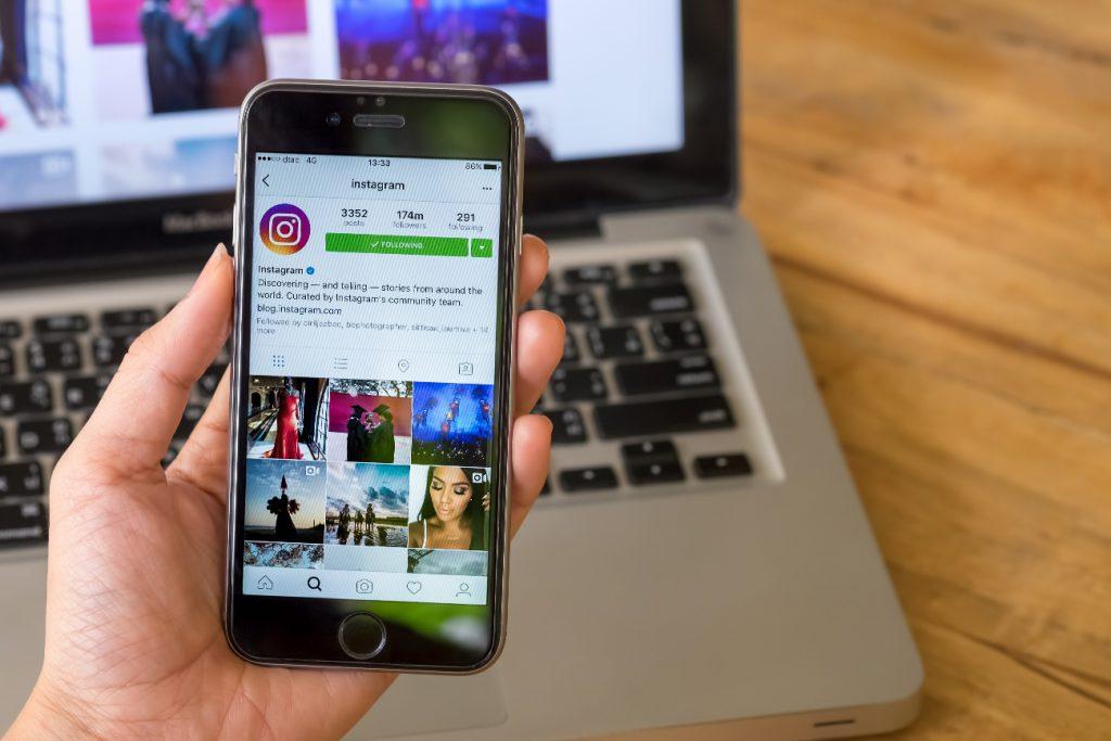Instagram lanzó herramientas para bloquear comentarios ofensivos y filtrar el spam