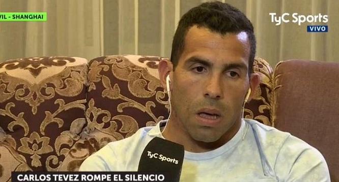 Carlos Tevez enfrentó a Riquelme con duras críticas