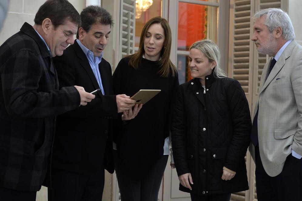 Vidal protagoniza campaña telefónica en la que pide