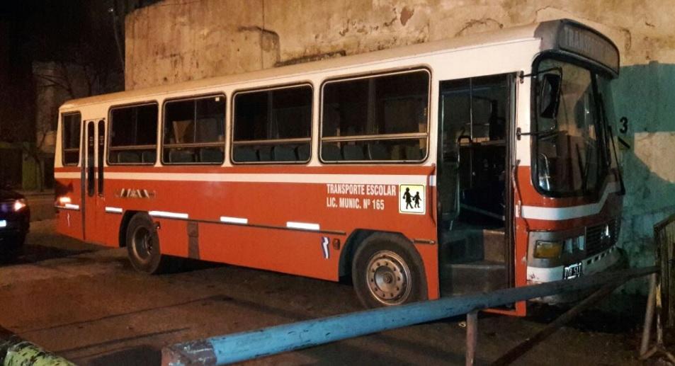 Conductor escolar circulaba con 2,25 de alcohol en sangre — Insólito
