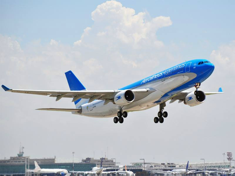 Aerolíneas Argentinas dejaría de volar entre El Calafate y Ushuaia