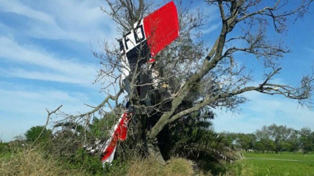 Murió un piloto tras estrellarse con un árbol en Santa Fe
