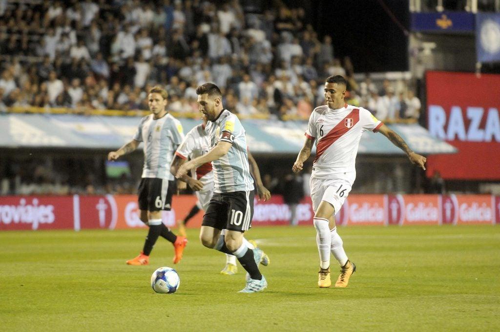 Hubo sorpresas: Los resultados de los rivales directos de Chile en clasificatorias