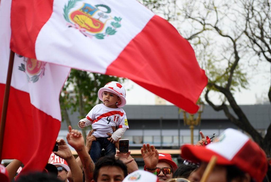 Embajador peruano se reunió con Ricardo Gareca — Perú vs Argentina
