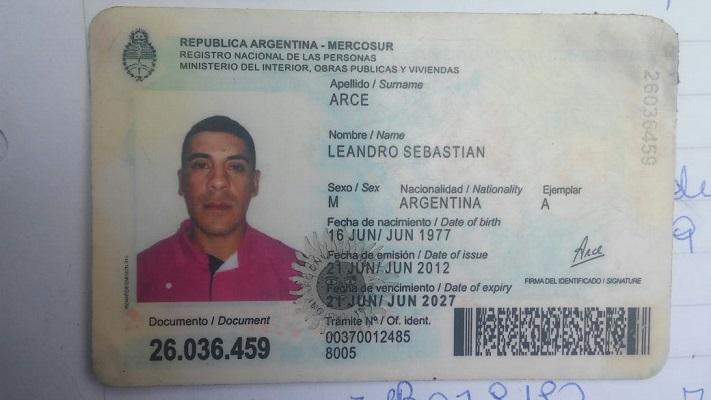 Documento falso entregado a la policía por Aguirre.