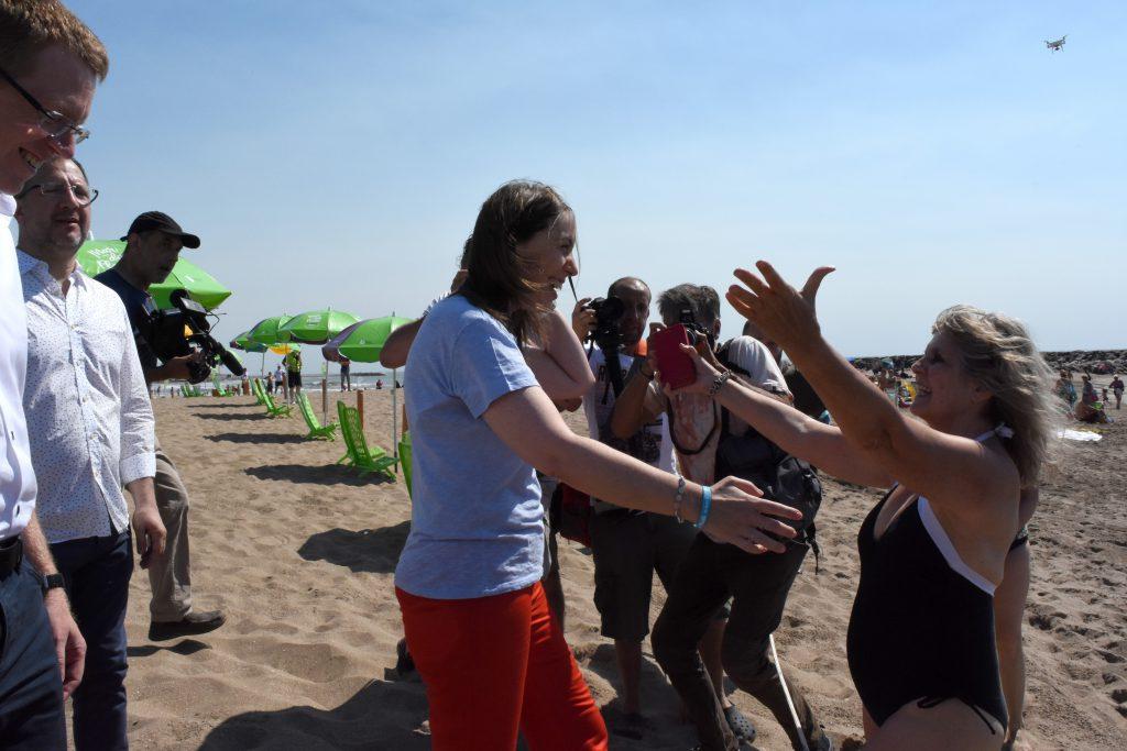 Vidal enfrentó a guardavidas que la increparon en Mar del Plata
