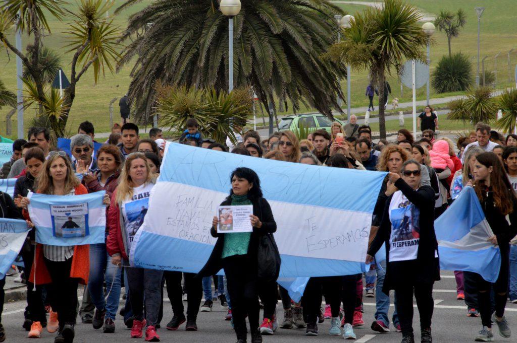Argentina ofrece 4 mdd por encontrar el submarino ARA San Juan