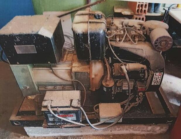 Equipo electrógeno dañado e inutilizable.