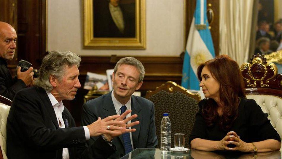 El músico inglés, Roger Waters, con la entonces presidente Cristina Fernández de Kirchner.