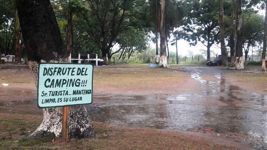Corrientes: un rayó cayó sobre una carpa y mató a dos jóvenes