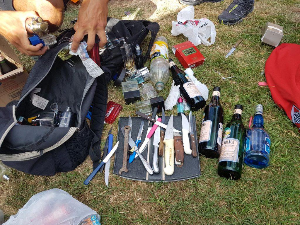 Detuvieron a barras de River con armas blancas, alcohol y drogas