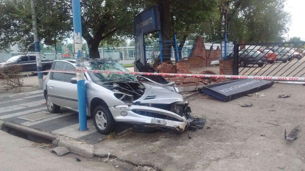 Accidente fatal en Mar del Plata: un joven de Lomas de Zamora falleció al chocar contra un paredón