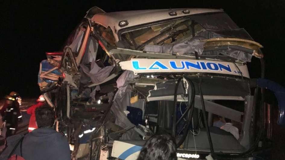 Chocó un micro que venía a Mendoza: 7 heridos