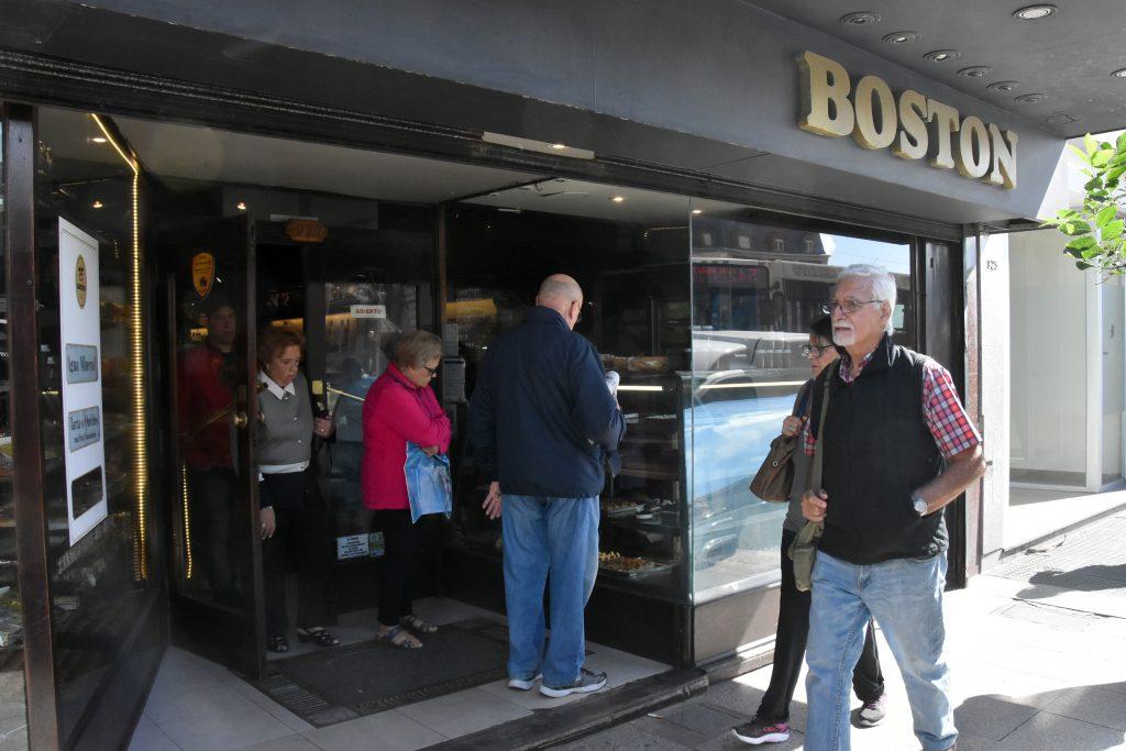 La Boston, entre deudas y falta de pago, casi en quiebra