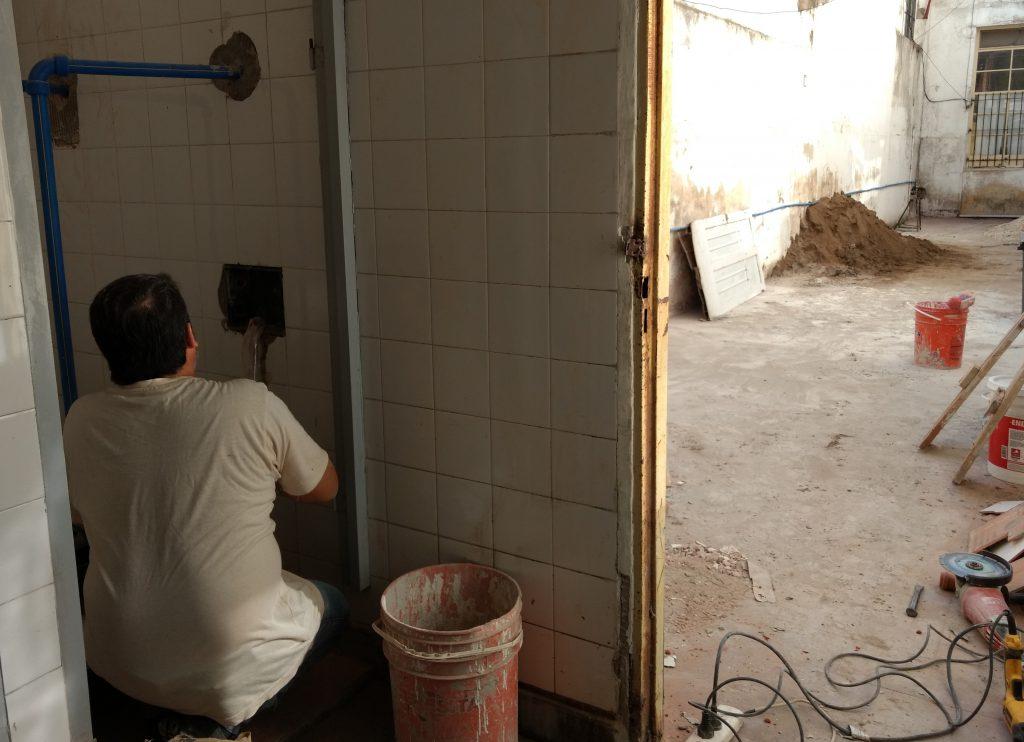 Obras baños escuela 1