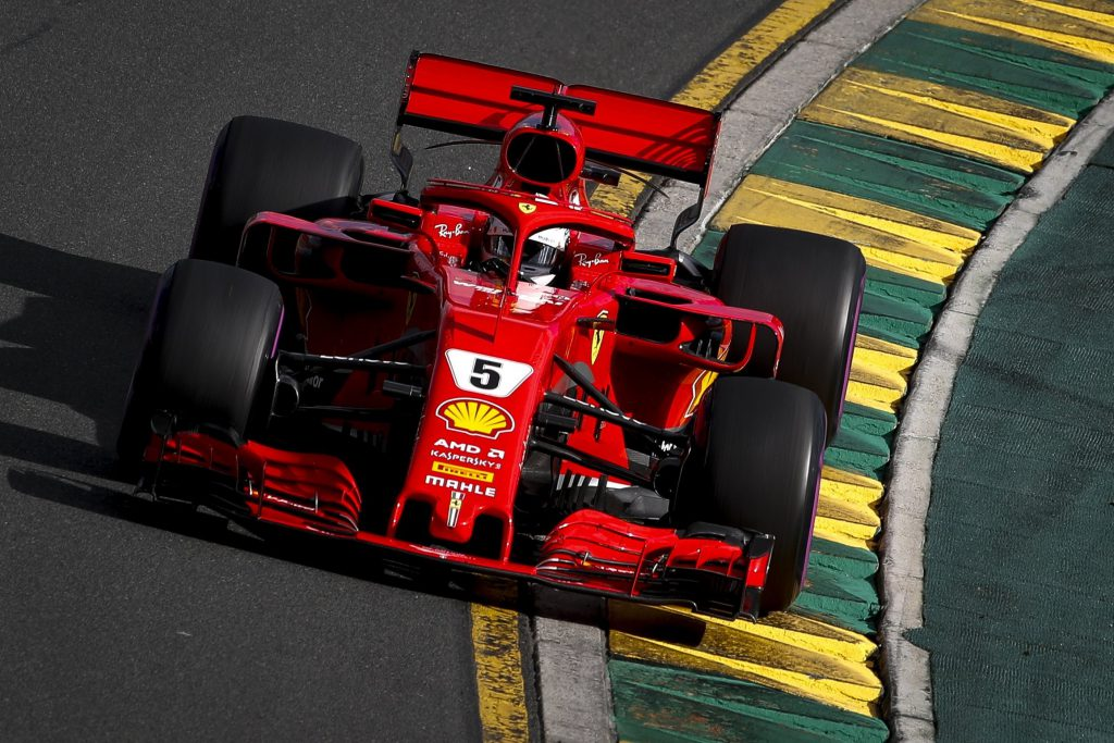 Hamilton, primer pole del año en Australia