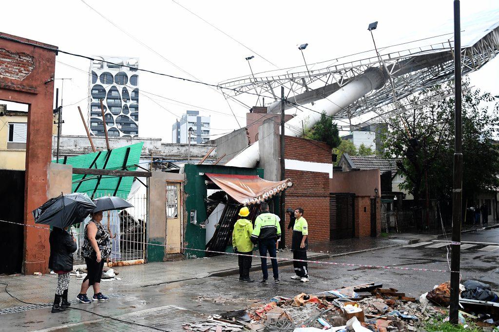 Dos personas murieron electrocutadas con una puerta de chapa — Rosario
