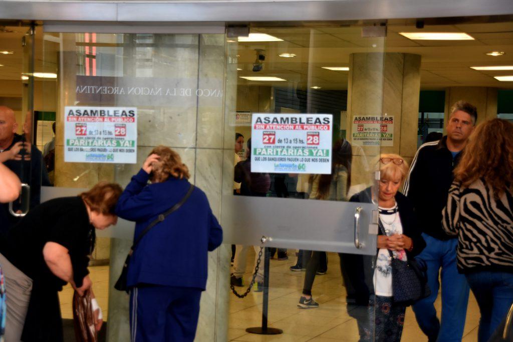 Nuevo paro bancario en reclamo de paritarias — Viernes negro