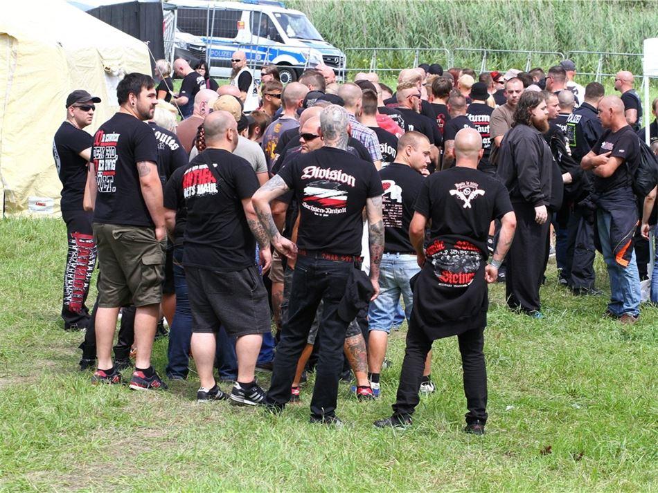 Neonazis preparan un festival en homenaje a Adolf Hitler