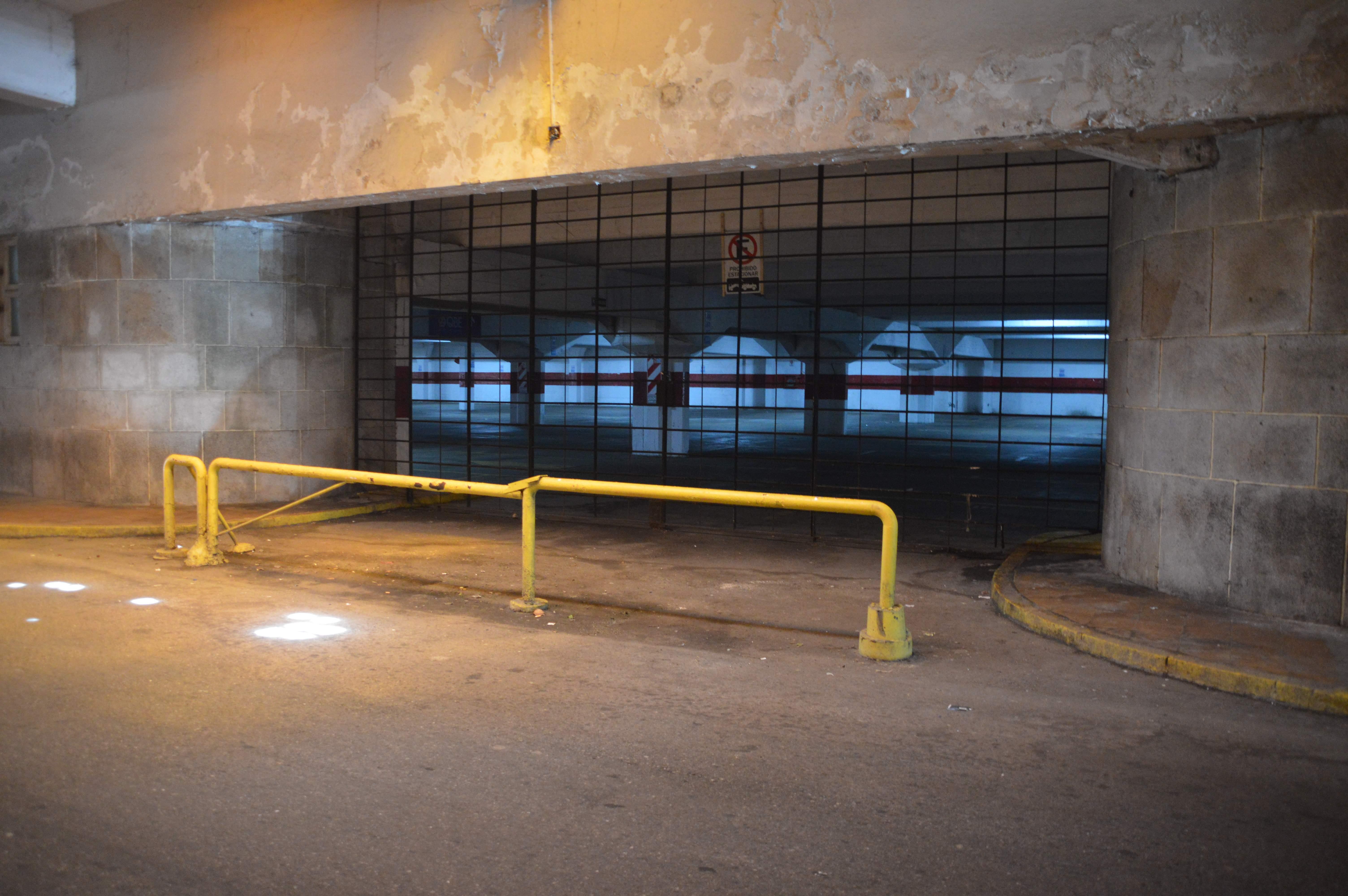 La playa de estacionamiento ubicada en la zona del túnel de Playa Grande, el eje de la polémica.