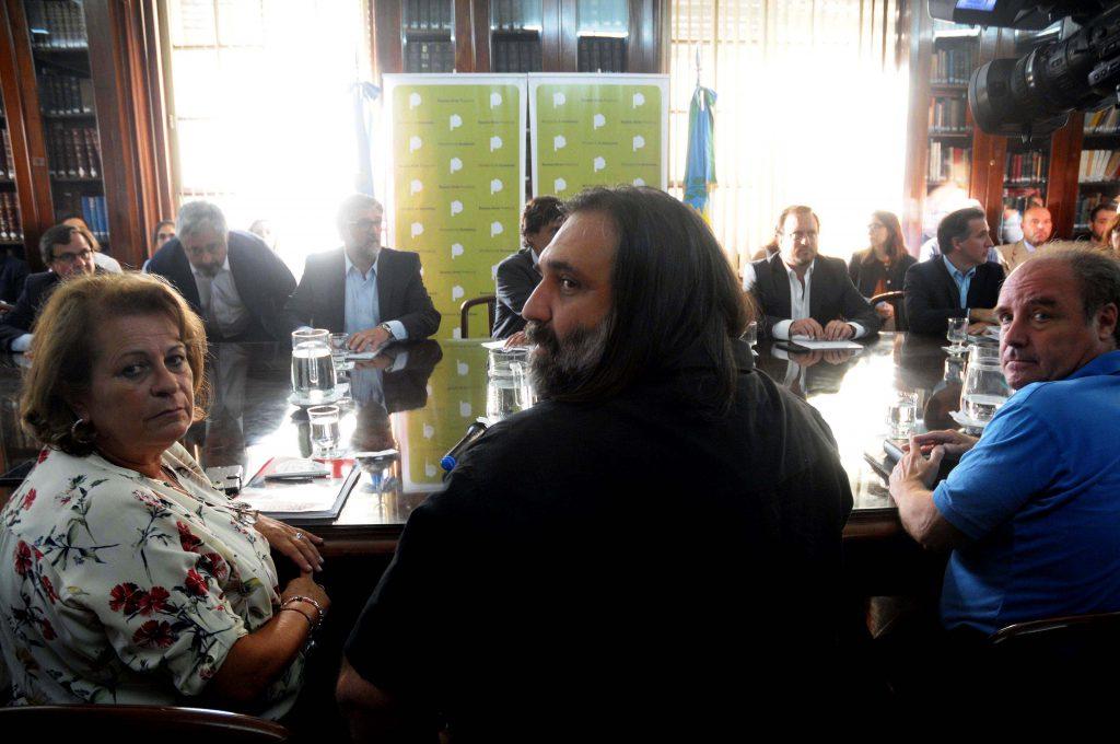La Justicia le ordenó a Vidal llamar a paritarias docentes