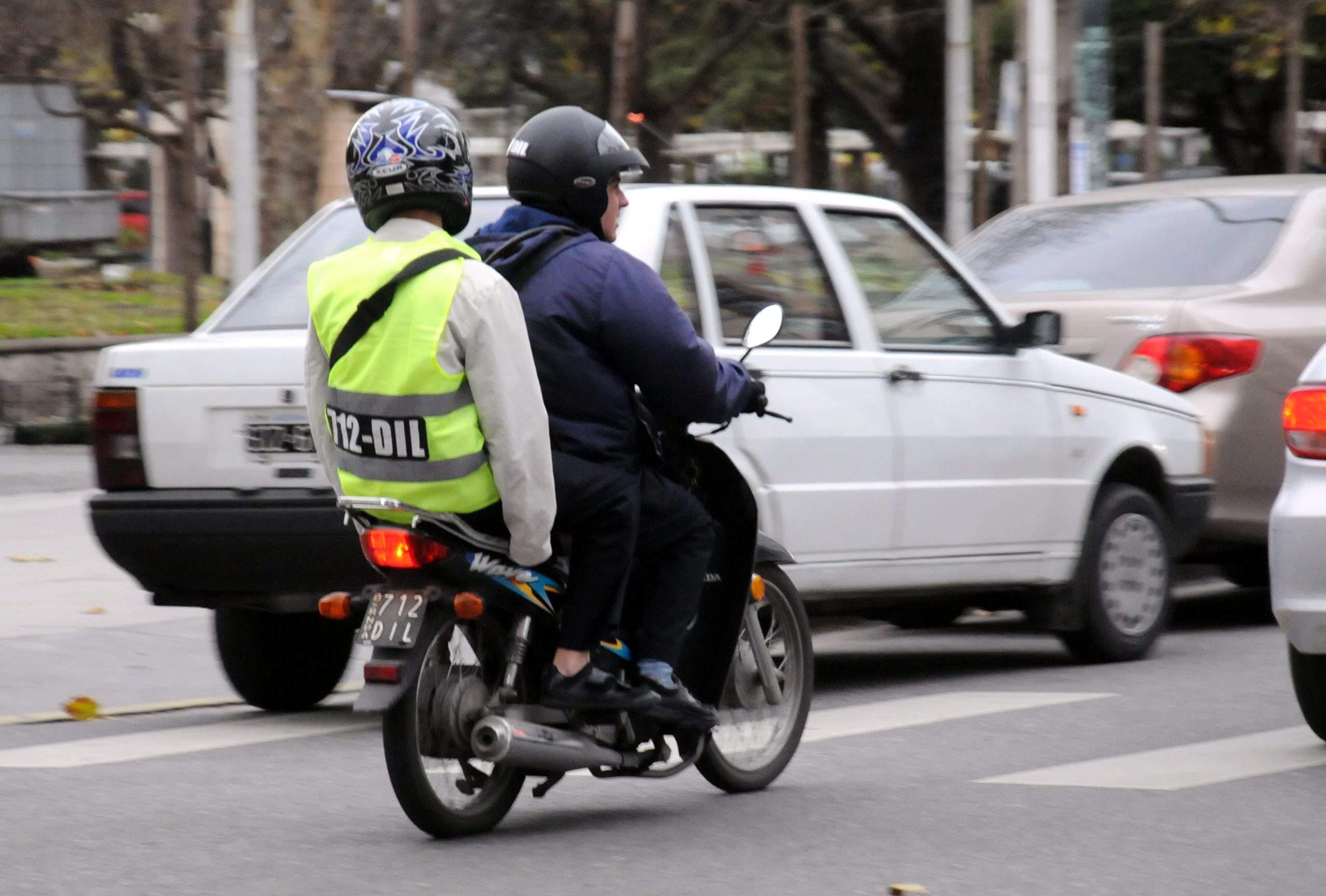 Para los marplatenses, los chalecos ayudan a evitar los delitos en moto