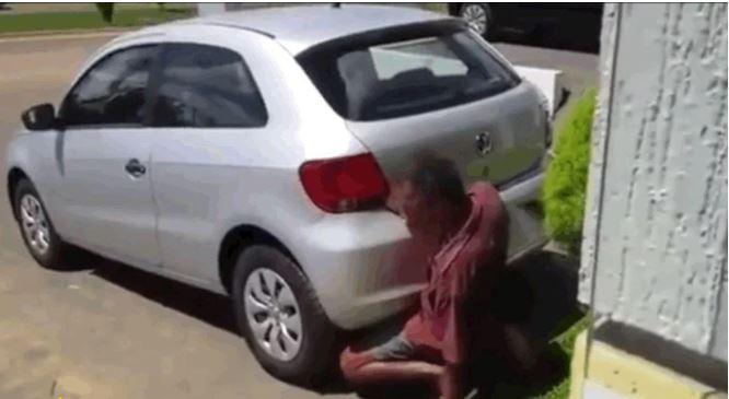 Arrestan a hombre por intentar tener sexo con un vehículo