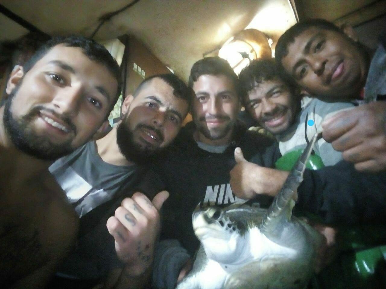 Los tripulantes del Rigel, Amadeo, Navarrete, Osorio y Mieres junto a Segovia.