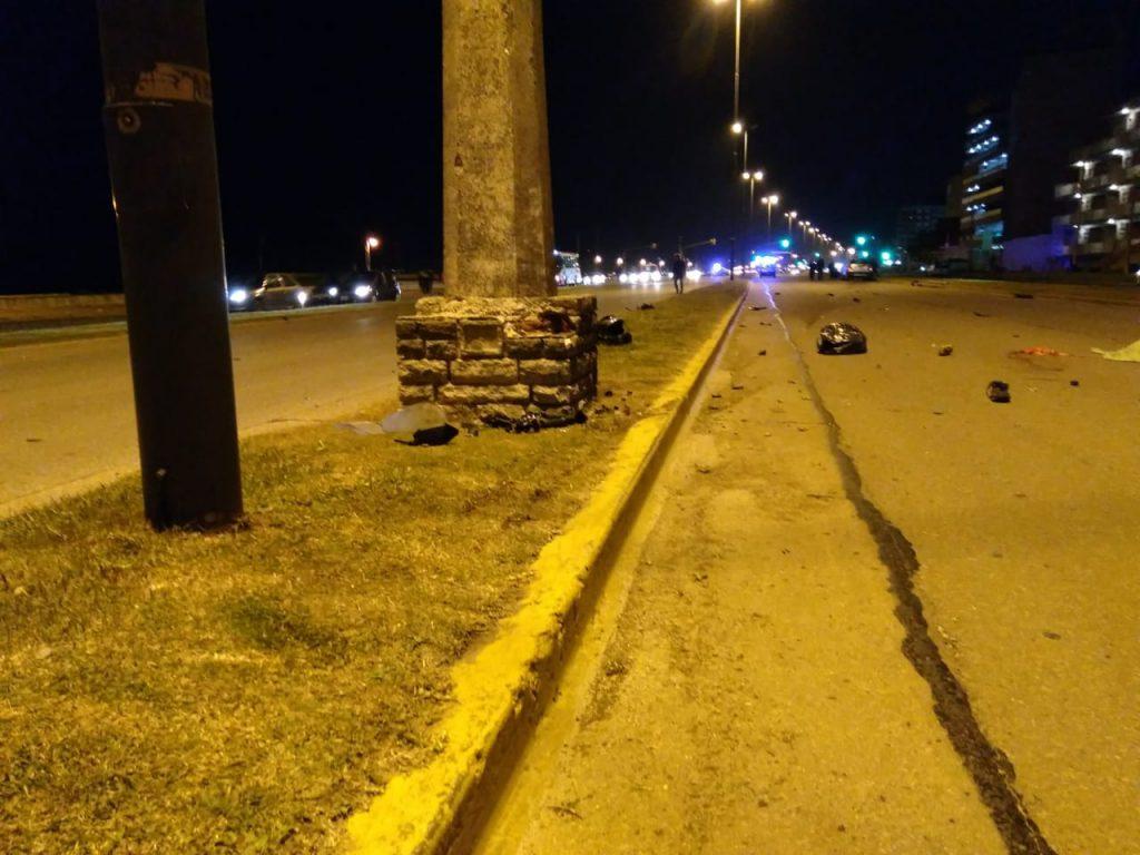 Columna contra la que impactó el motociclista.