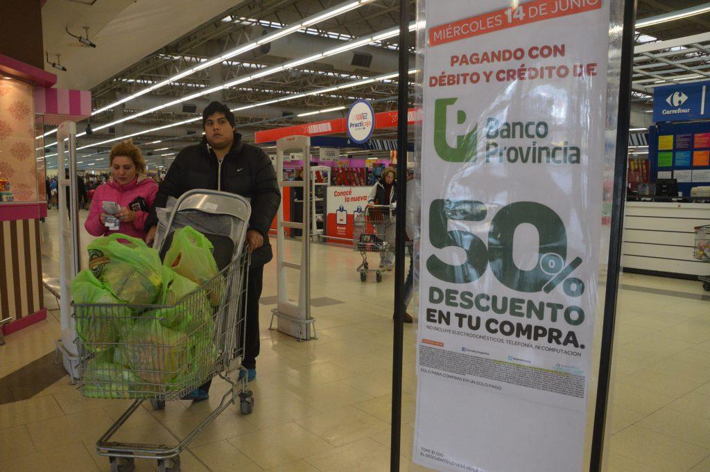 Regresan los descuentos del 50% en supermercados con tarjetas del Banco Provincia