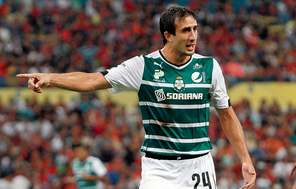 Se acerca el segundo refuerzo para Boca: Carlos Izquierdoz