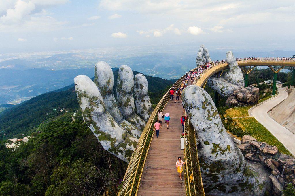 Vietnam inaugura un nuevo puente espectacular a 1.400 metros de altitud