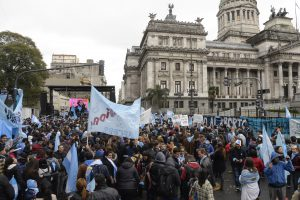 zzzznacp2 NOTICIAS ARGENTINAS BAIRES, AGOSTO 8: Manifestantes a en contra del aborto legal se concentran frente al Congreso.Foto NA: SANTIAGO PANDOLFI zzzz