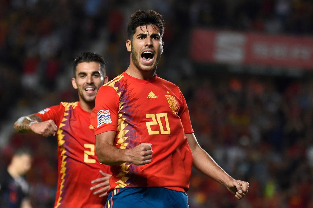 Marco Asensio festeja uno de los goles con los que España apabulló a Croacia.