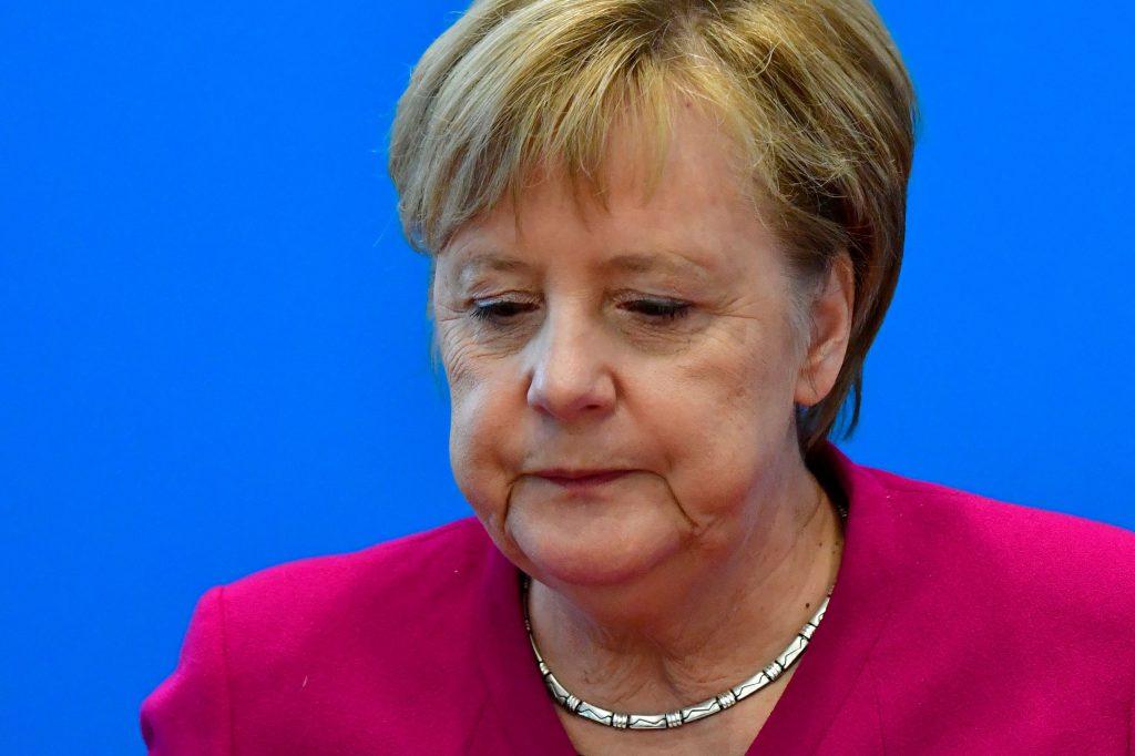 El avión de Angela Merkel aterriza de emergencia en Colonia