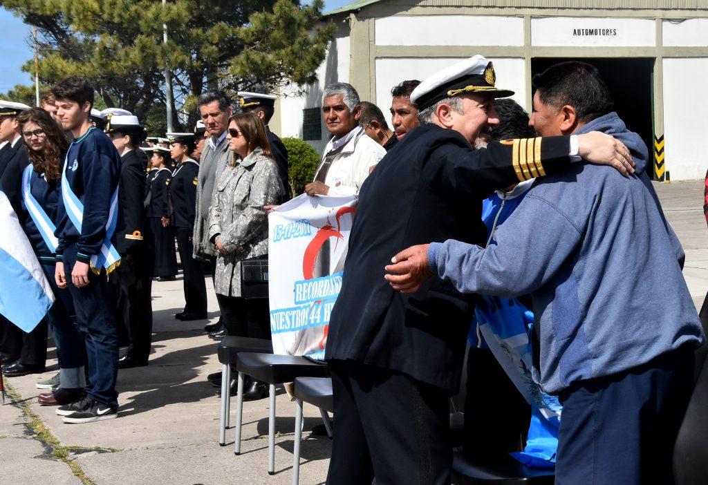 El acto por el 92° aniversario de la Base Naval se dio a poco más de un mes de que se cumpla un año de la desaparición de la nave y sus 44 tripulantes.