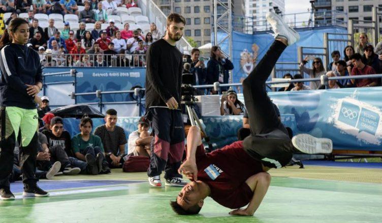 Mariano Carvajal ganó la medalla de plata en Breaking Dance.