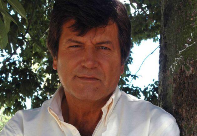 El actor Carlos Calvo quedó internado en el Sanatorio Los Arcos